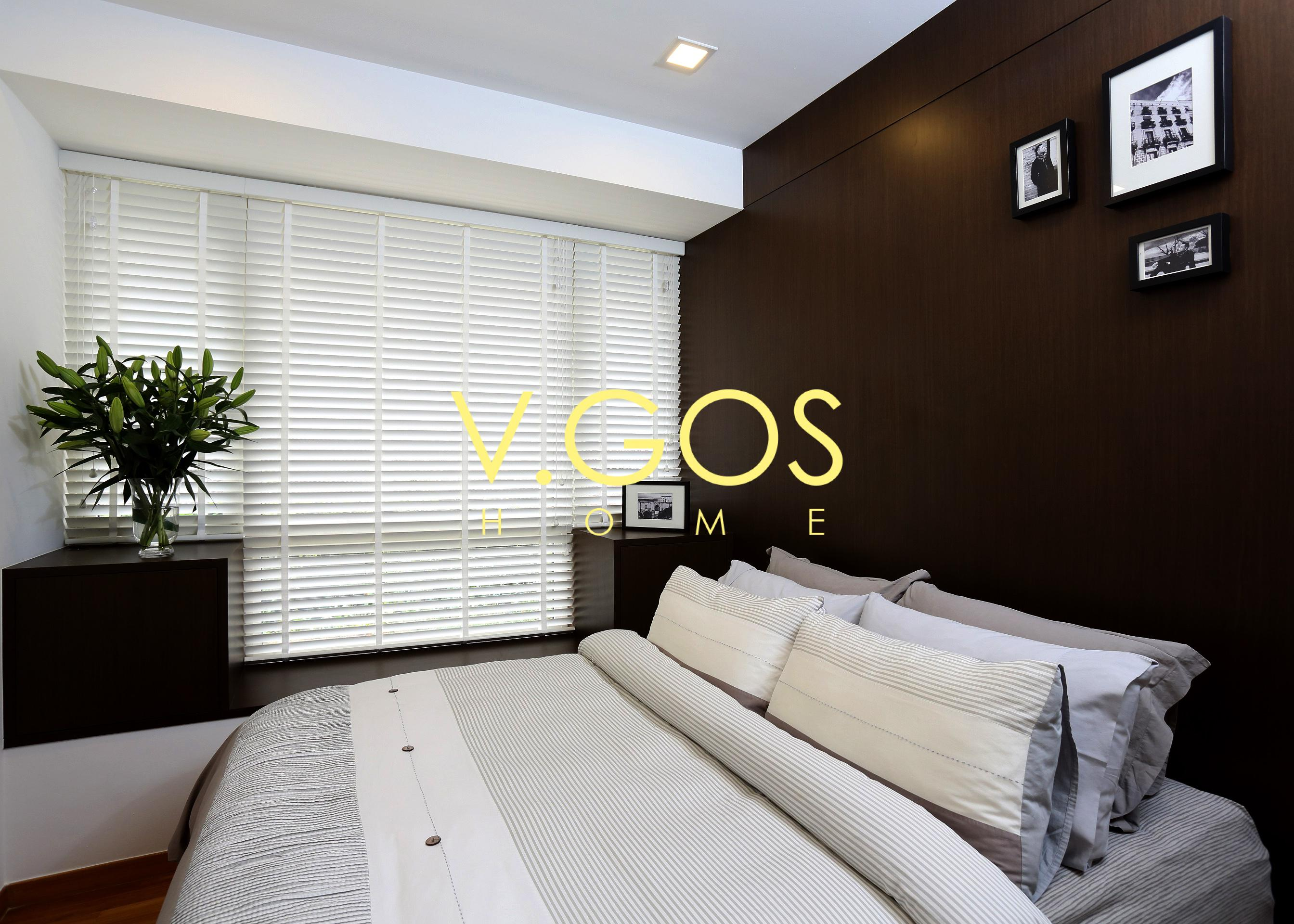 Motorized wooden Venetian Blind - White colour with white wooven tape