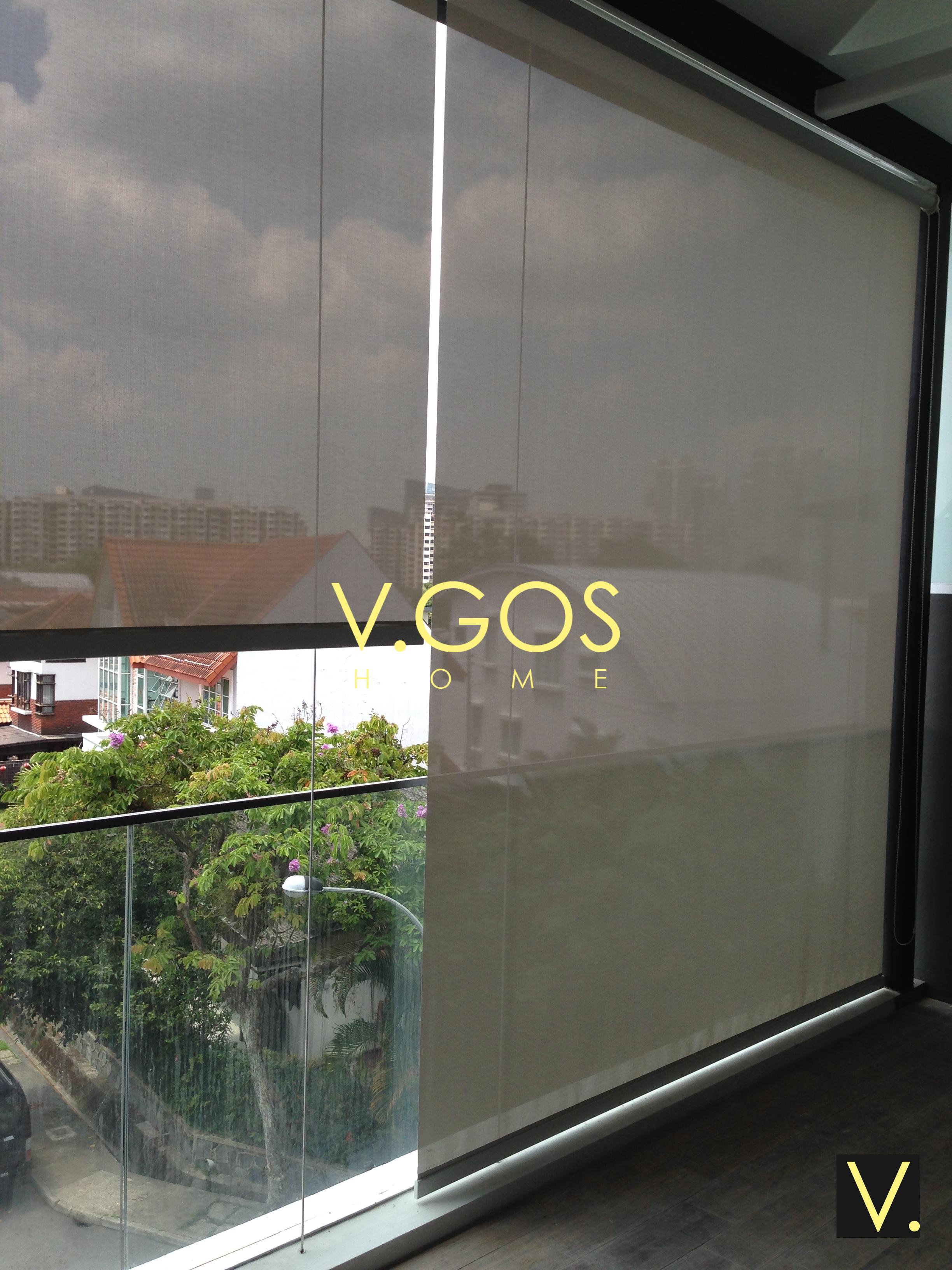 Outdoor roller blinds with cable side guide